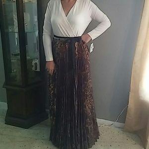 LuLaRoe NWT Deanne Dress